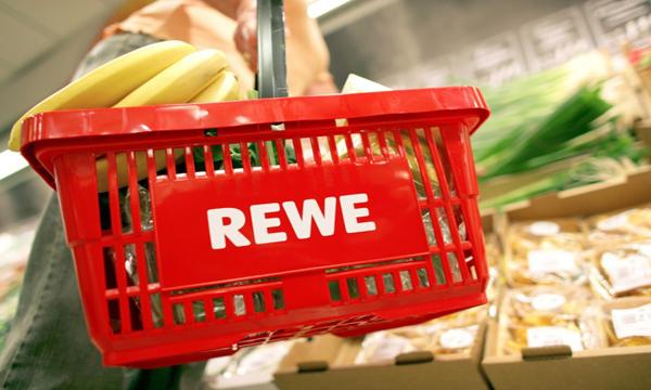 REWE se rebela por la fusión de los supermercados de la competencia